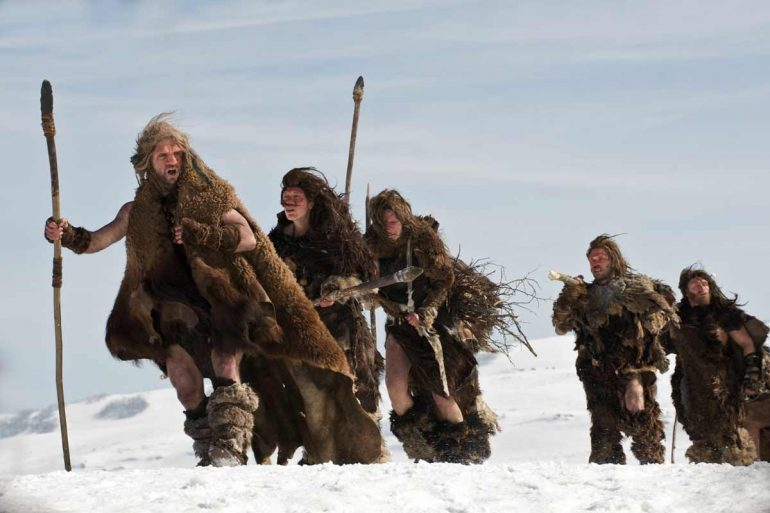 """Extrait du film """"AO, le dernier Néandertal"""" de Jacques Malaterre © UGC Distribution"""