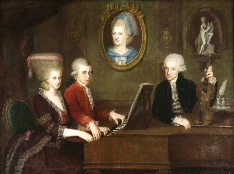 Léopold Mozart avec ses enfants Wolfgang et Nannerl au piano forte. Huile sur toile de Johann Nepomuk Della Croce, vers 1780 © Hulton Fine Art Collection
