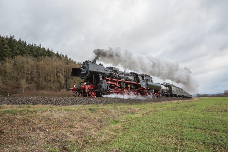 La machine à vapeur a permis de fabriquer les trains à vapeur. © Fotolia