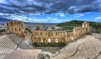Ce théâtre antique d'Athènes a été construit en 161 av. J-C. © Shutterstock