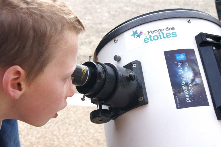 Observation au télescope © Festival d'Astronomie de Fleurance